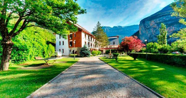 Hotel Pictures: Silken Ordesa, Torla