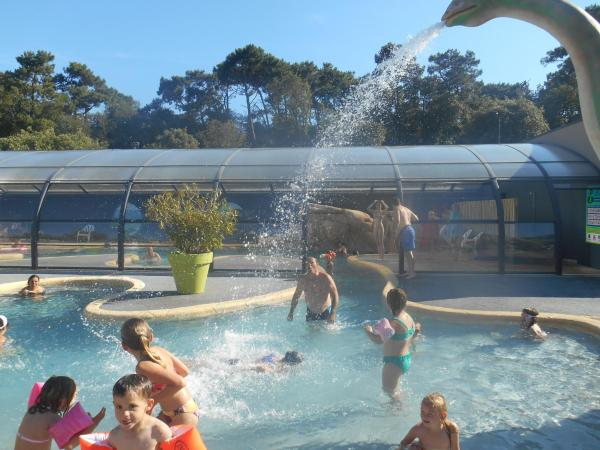 Hotel Pictures: Camping les Dinosaures, Talmont