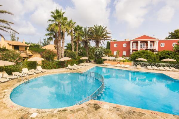 Hotel Pictures: Club Pueblo Menorquin, Son Xoriguer