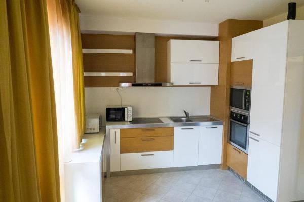 ホテル写真: 3-bedroom Apartment City, ブラゴエヴグラト
