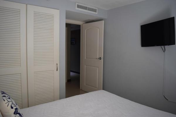 Hotelbilder: Aqua Vista Three-Bedroom condo - P211, Palm-Eagle Beach