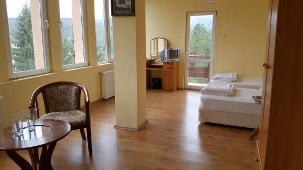 ホテル写真: Hotel Grodi, Starozagorski Bani