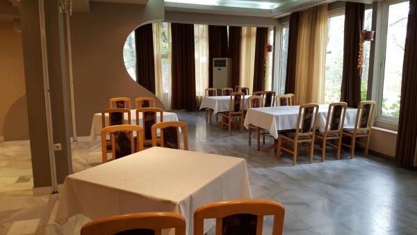 ホテル写真: Hotel Latinka, Starozagorski Bani
