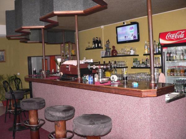 Hotel Pictures: Motel Podkova, Klobouky u Brna