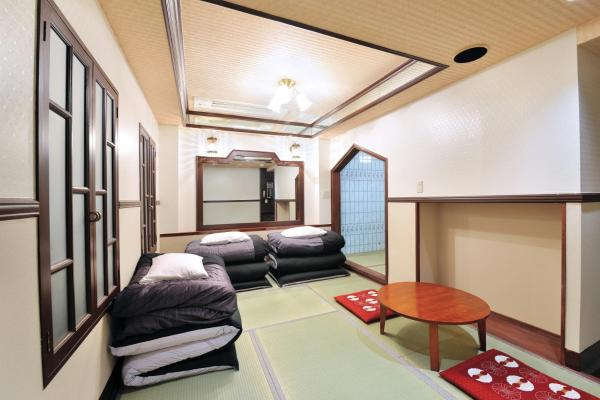 Standard Japanese Room (3 adults)