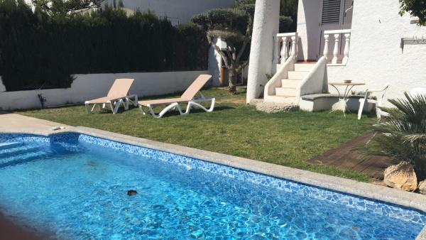 Hotel Pictures: Vmes Mestral, Alcanar