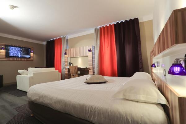 Hotel Pictures: QUALYS-HOTEL Grand Hôtel Saint-Pierre, Aurillac