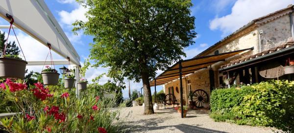Hotel Pictures: La Ferme Couderc, Pailloles