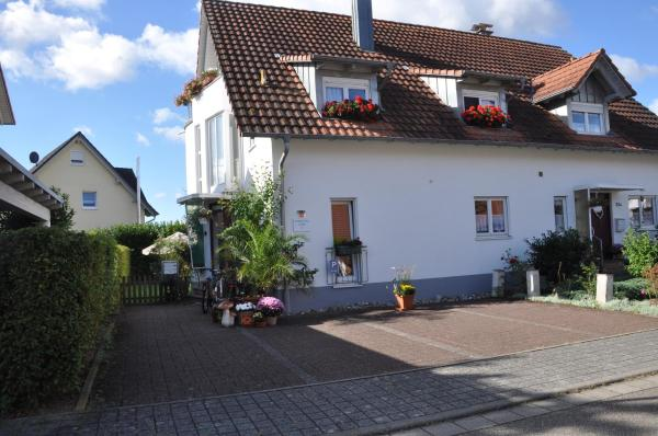 Hotel Pictures: DOUBLE Two Lodge, Kappel-Grafenhausen