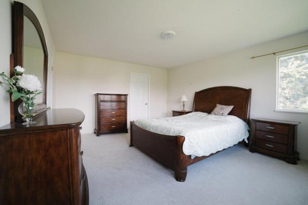 Hotel Pictures: Burnaby Deer Lake House, Burnaby