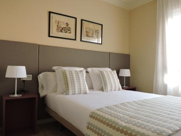 Hotel Pictures: Apartament El Miracle, Cardona