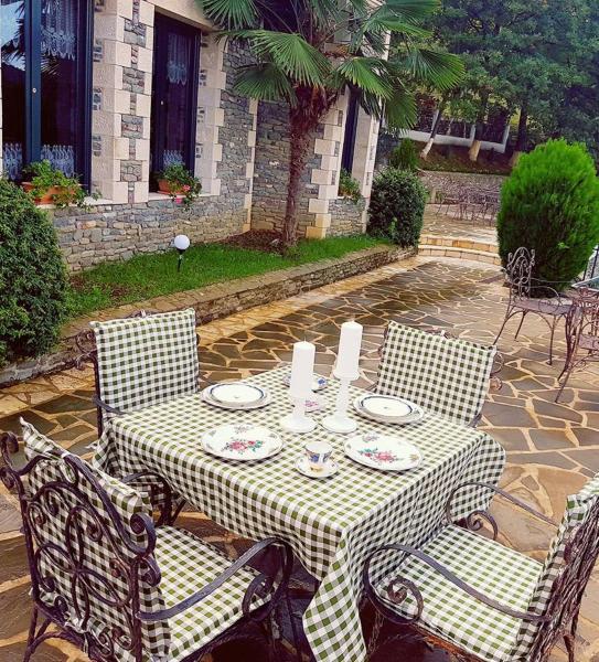 Hotelfoto's: , Petrelë