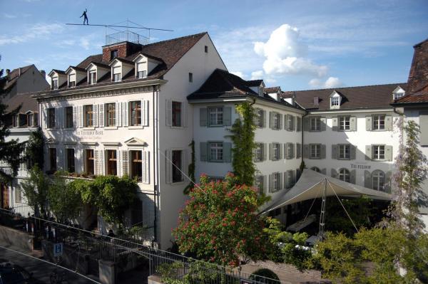 Фотографии отеля: Gast - und Kulturhaus Der Teufelhof Basel, Базель