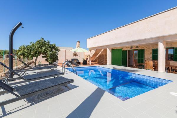 Hotel Pictures: Villa Hort De Son Fideu, El Estanyol