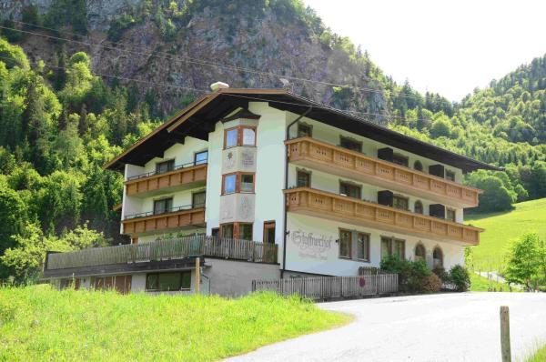 Hotellikuvia: Gasthof Appartement`s Staffnerhof, Kössen