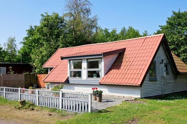 Hotel Pictures: Holiday Home Skovvej, Sæby