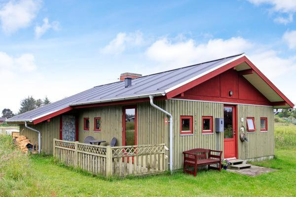 Hotel Pictures: Holiday Home Snerlevej III, Tannisby