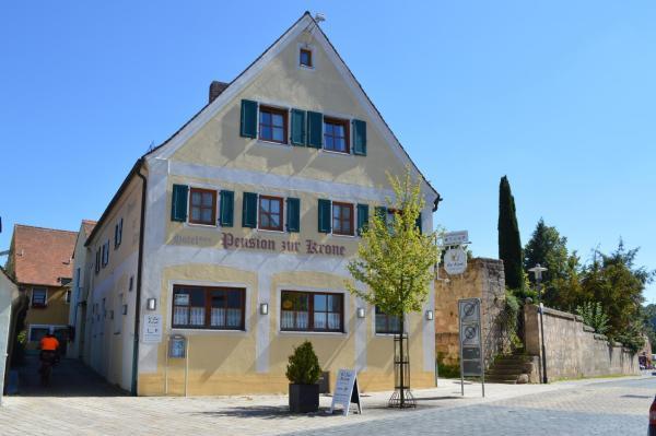 Hotel Pictures: Hotel Garni Pension Zur Krone, Hilpoltstein