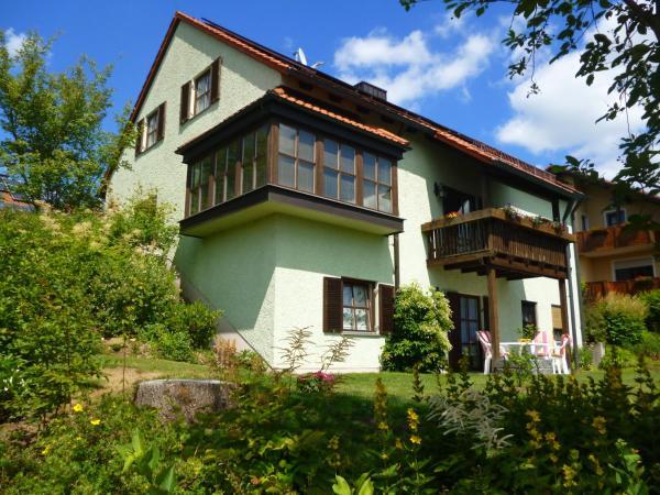 Hotel Pictures: Ferienwohnung Liane und Hans Karl, Altenthann