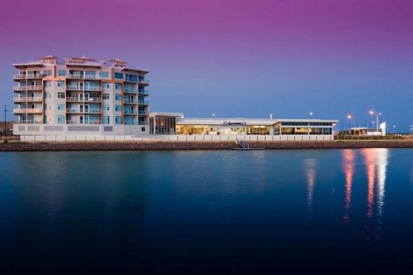 Фотографии отеля: Copper Cove Marina Apartments, Wallaroo