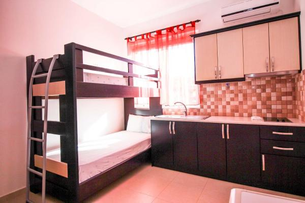 Hotel Pictures: Apartments Villa Melisa, Ksamil