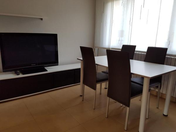 Hotel Pictures: Apartament L Estada, Sant Joan les Fonts