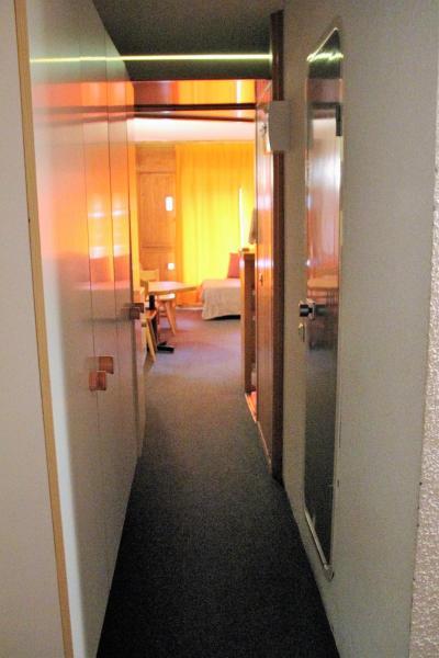 Hotel Pictures: Beau studio aux pieds des pistes, Bourg-Saint-Maurice