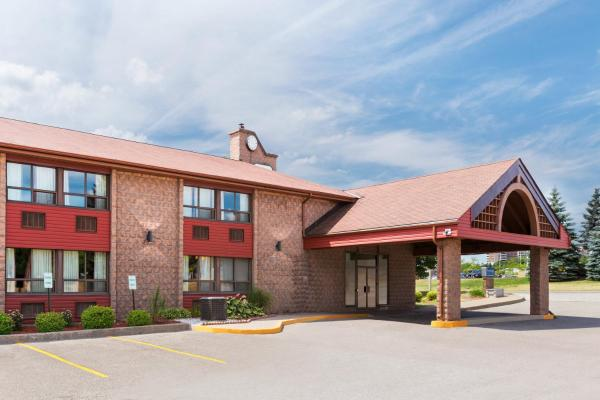 Hotel Pictures: Travelodge Barrie on Bayfield, Barrie
