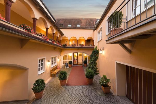 Hotel Pictures: Hotel Münchner Hof, Pfarrkirchen