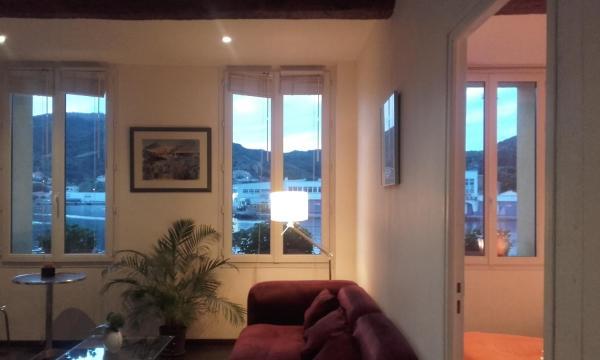 Hotel Pictures: Appartement La Méditerranée vue sur la Mer, Port-Vendres