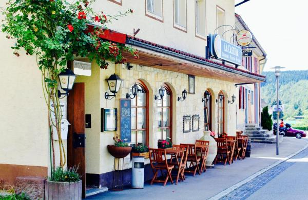Hotel Pictures: Pension La Cascina, Tuttlingen