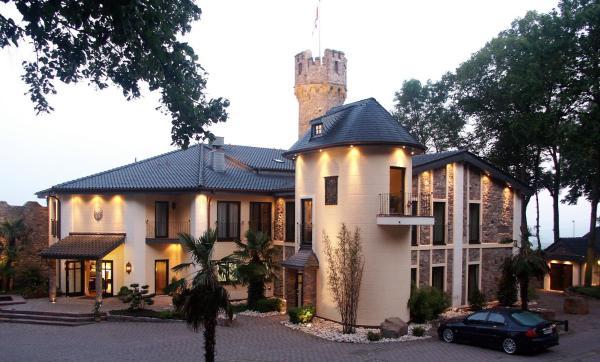 Hotel Pictures: Romantik Burghotel Schwarzenstein, Geisenheim