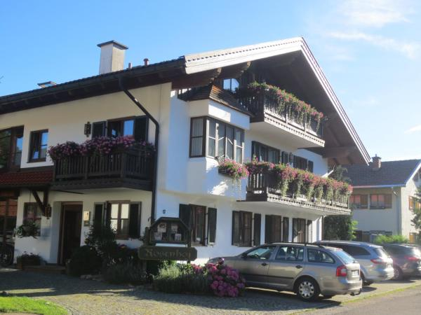 Hotel Pictures: Hotel Rosenhof, Ruhpolding