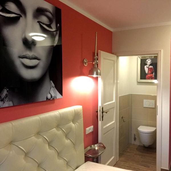 Hotelbilleder: Design-Hotel Chapeau Noir, Überherrn