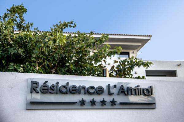 Hotel Pictures: Résidence L'Amiral, L'Île-Rousse