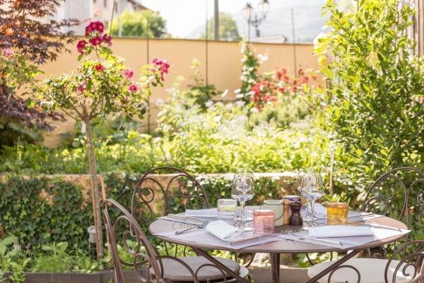 Hotel Pictures: Arrieulat Auberge des Pyrénées, Argelès-Gazost