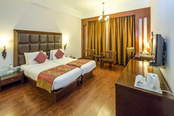 Deluxe Double Room with Airport Transfers