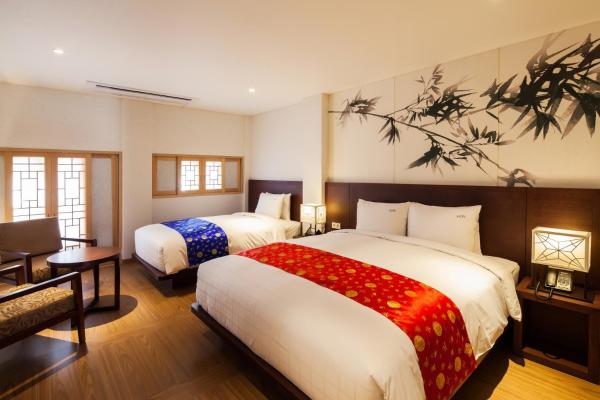 Deluxe Room with 1 Double Bed and 1 Single Bed (2 Adults)
