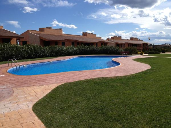 Hotel Pictures: Marina Sant Jordi Bajo Isla 36 Traginers 50, LAmetlla de Mar