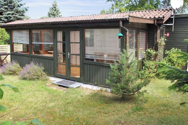Hotel Pictures: Holiday home Lyngvej A- 2821, Vig
