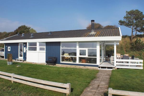 Hotel Pictures: Holiday home Ved E- 5033, Næs