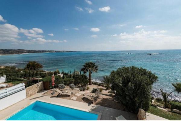 Hotel Pictures: LuX Villa, Coral Bay