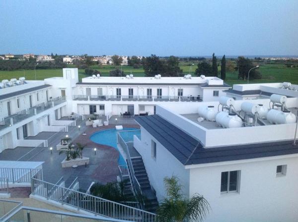 Hotel Pictures: High View Gardens, Mazotos