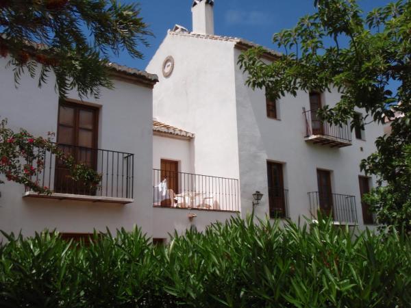 Hotel Pictures: Casa de la Fuente, Tolox