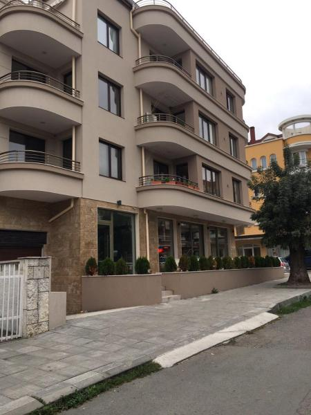 Hotel Pictures: Ganevi Apartments, Burgas City