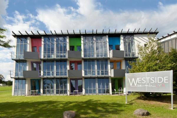 Hotel Pictures: Westside Living, Altenholz