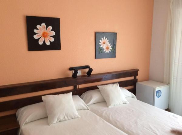 Hotel Pictures: Pensión K-Hito, Santiago de la Ribera