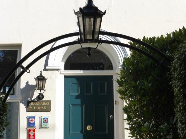 Hotel Pictures: Barnabas House, Yelverton