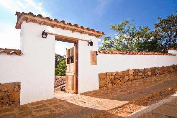 Hotel Pictures: La Casa Mora By Casas del Sur, Barichara