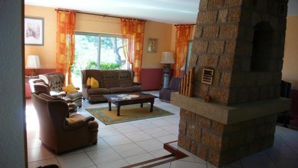 Hotel Pictures: Castanea, Genestelle